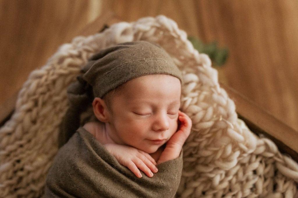 Fotos de recién nacido en estudio.